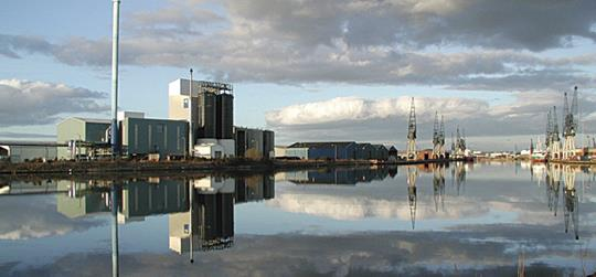 1995: BioMar establishes production in Grangemouth, Scotland